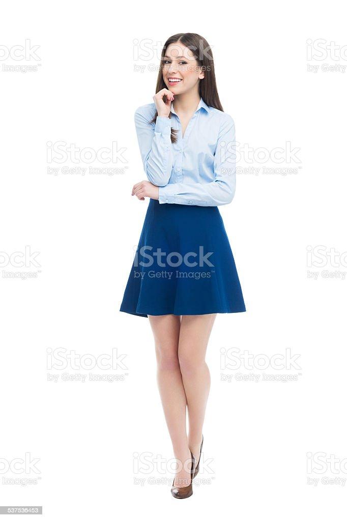 Fotografía de Encuadre De Cuerpo Entero De Mujer Joven Atractiva y ...