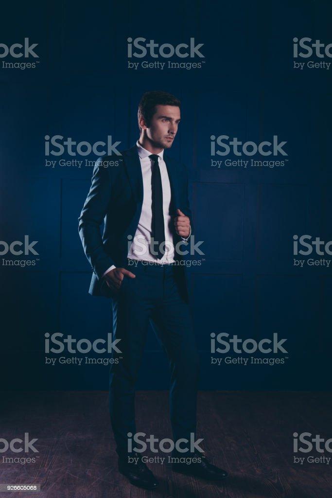 Zu abendkleid jacke dunkelblauem Dresscode für