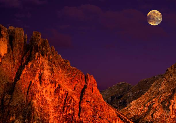 Vollmond am Sellagruppe, Dolomiten Alpen Italien – Foto