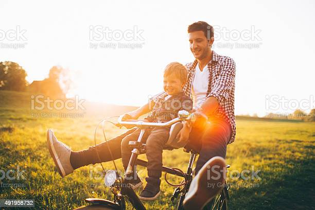 Fun and games on a bicycle picture id491958732?b=1&k=6&m=491958732&s=612x612&h=4jazt87 llchsnth 9thqvyjxvb3vno2bts4wpmegxe=