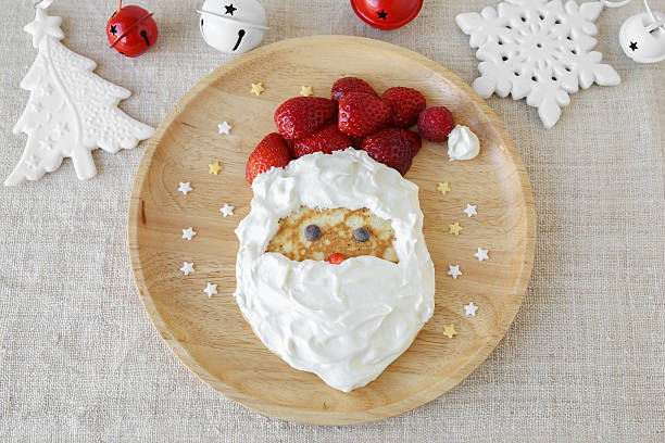 Fun homemade santa pancake breakfast for kids – Foto
