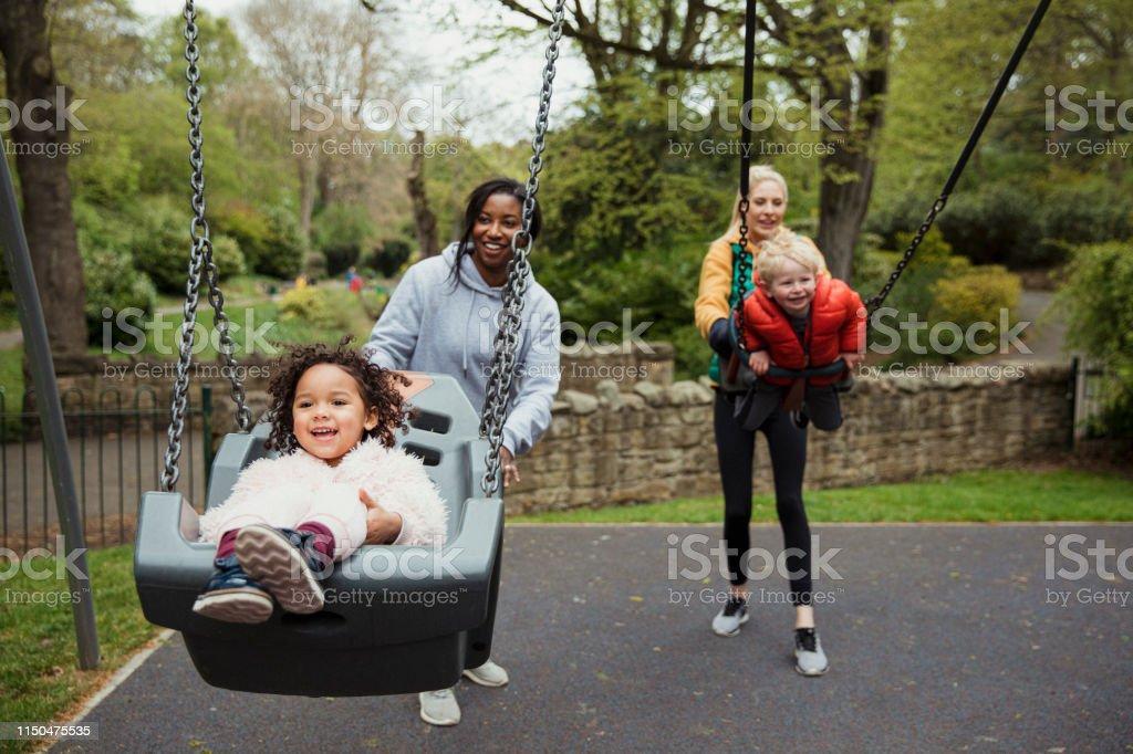 Spaß im Park - Lizenzfrei 2-3 Jahre Stock-Foto