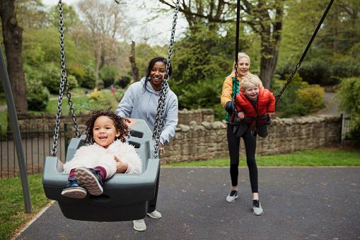 Spaß Im Park Stockfoto und mehr Bilder von 2-3 Jahre