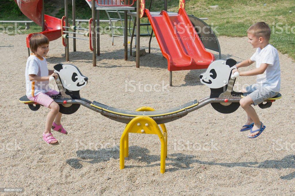 Diversión en el parque - foto de stock