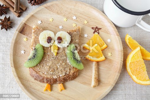 istock Fun owl toast with fruit, food art breakfast for kids 598229668