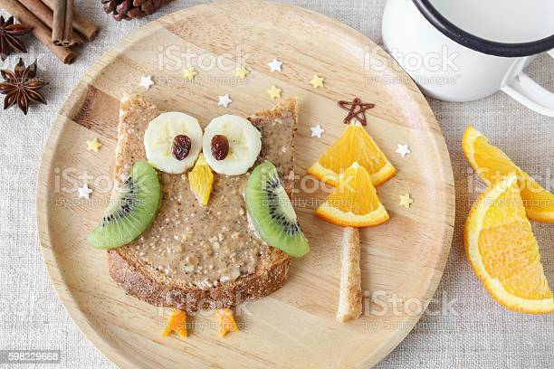 Fun owl toast with fruit food art breakfast for kids picture id598229668?b=1&k=6&m=598229668&s=612x612&h=vtpog4fhm9bpiwdhvhb4s2qc88zapk00tqo1tiy61qc=