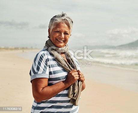 825083304 istock photo Fun trips to the beach never get old 1176306316