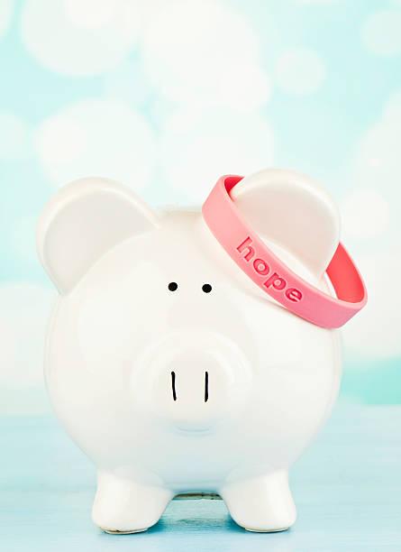 привлечение к исследованию рака груди - breast cancer awareness стоковые фото и изображения