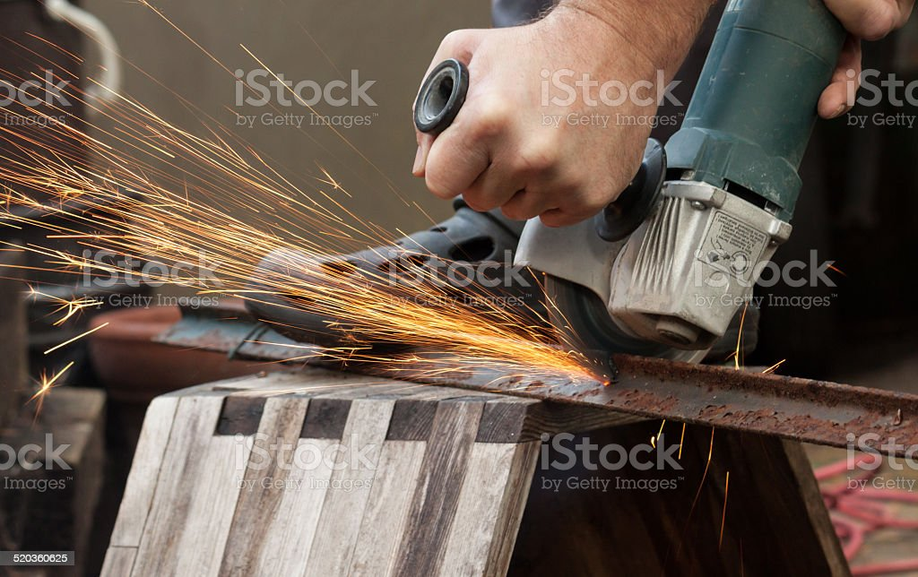 Funkenflug bei der Metallbearbeitung stock photo