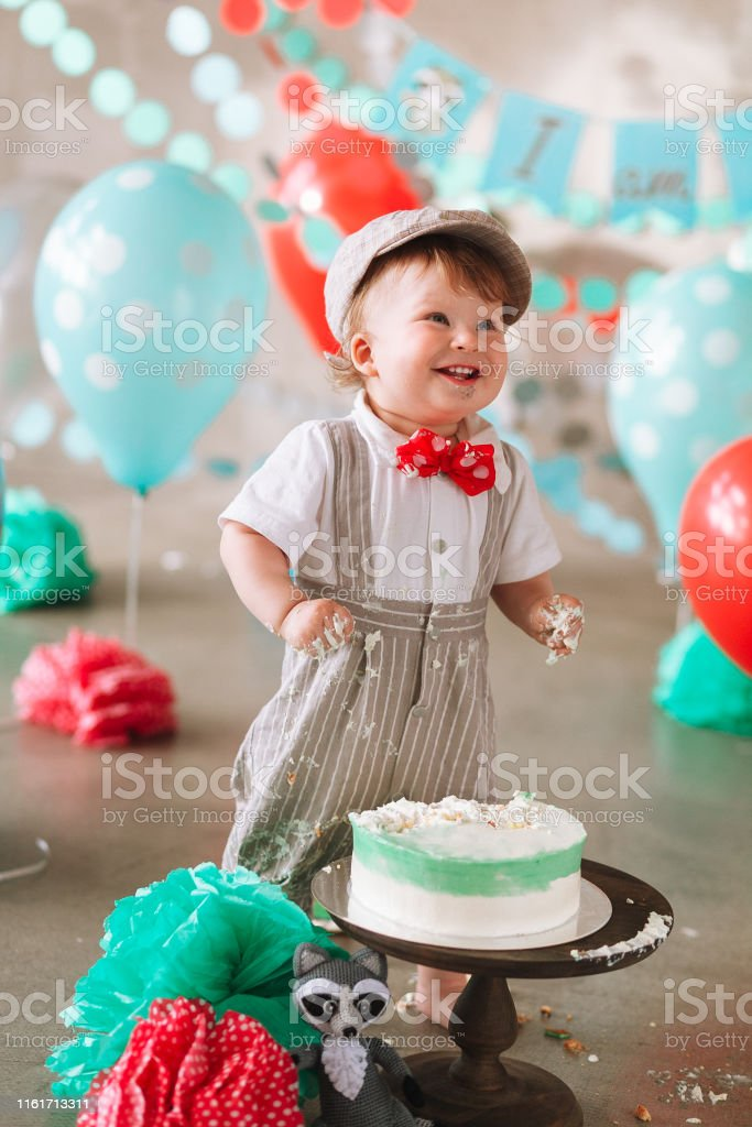 Brilliant Funny Baby Boy Laughing In His First Birthday Cake Smash Messy Funny Birthday Cards Online Inifofree Goldxyz