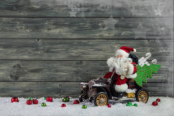 lustiger weihnachten grußkarte mit weihnachtsmann und weihnachten geschenke. - gutschein weihnachten stock-fotos und bilder