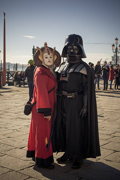 lustige paar masken in venedig karneval 2013 - faschingskostüme star wars stock-fotos und bilder