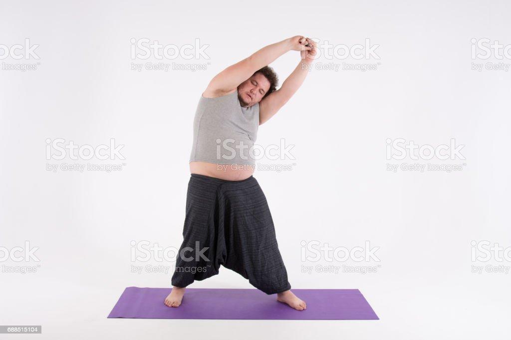 Lustige Dicke Mann Und Yoga Stockfoto Und Mehr Bilder Von Arm