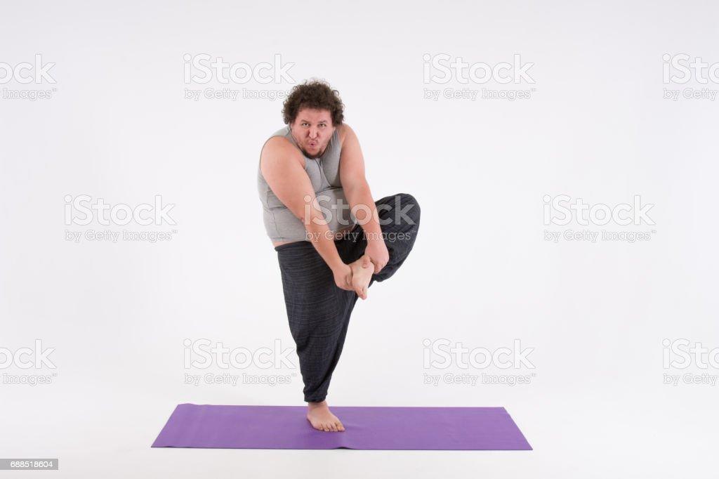 Lustige Dicke Mann Und Yoga Stockfoto Und Mehr Bilder Von