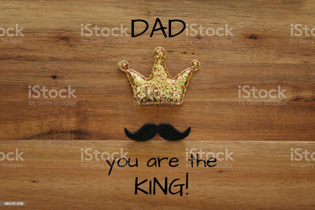 有趣的鬍子和閃光冠。父親節概念 免版稅 stock photo
