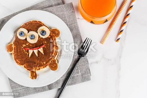 istock Funny pancakes for Halloween 846319722