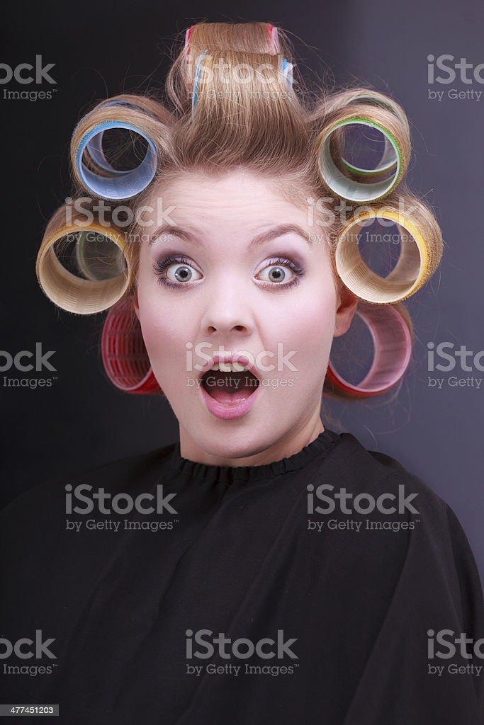 Lustig Uberrascht Blonden Madchen Haare Lockenwickler Rollen Friseur