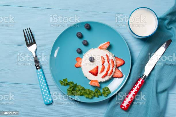 Funny toast in a shape of fish sandwich with cream cheese and berries picture id646856228?b=1&k=6&m=646856228&s=612x612&h=bbpwlpra3f1tyonfzzwrj70pc15fj eed22hac4914u=