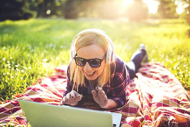 funny video clip - mp4 fotografías e imágenes de stock