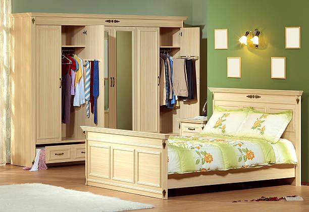 classic schlafzimmer - lila, grün, schlafzimmer stock-fotos und bilder