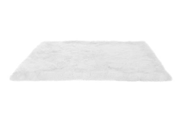 毛茸茸的地毯。在白色上隔離 - 動物毛髮 個照片及圖片檔