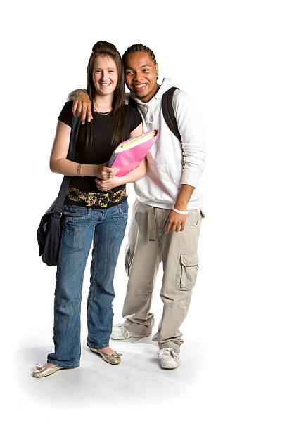 adolescenti studenti: rilassato sorrisi da di scuola gli amici - compagni scuola foto e immagini stock