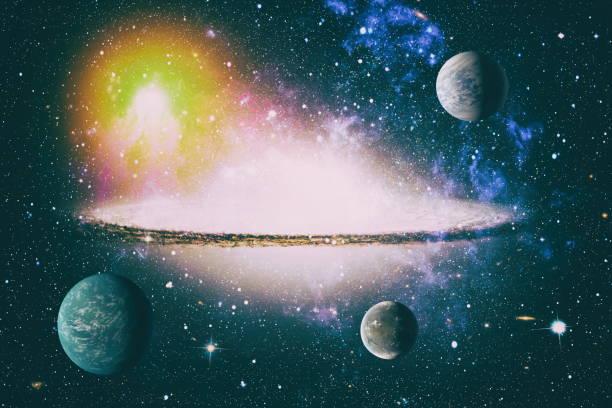 Fütüristik soyut uzay arka plan. Yıldızlar ve bulutsularla gece gökyüzü. Nasa tarafından döşenmiş bu görüntünün elemanları stok fotoğrafı