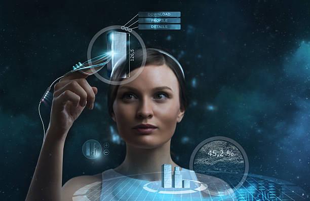 imagem de mulher de negócios de futuro trabalhar com ecrã multimédia - business woman hologram imagens e fotografias de stock