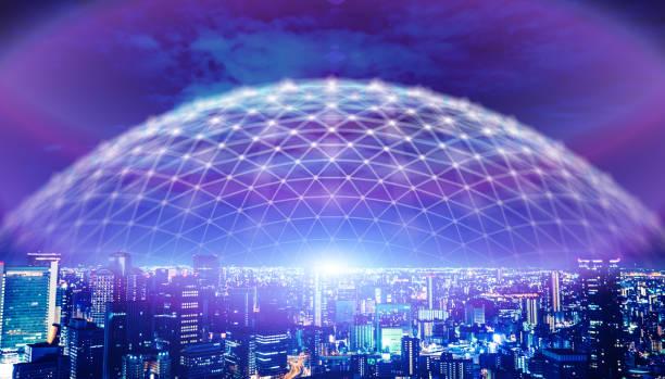 futuristische Stadt in Tokio elektromagnetische Signale – Foto