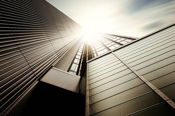 futuristische office building - stadt frankfurt stock-fotos und bilder