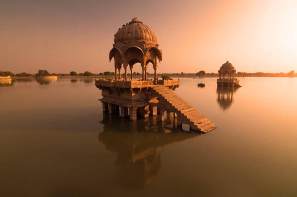 Gadi sagar Templo de Rajasthan, Índia - foto de acervo