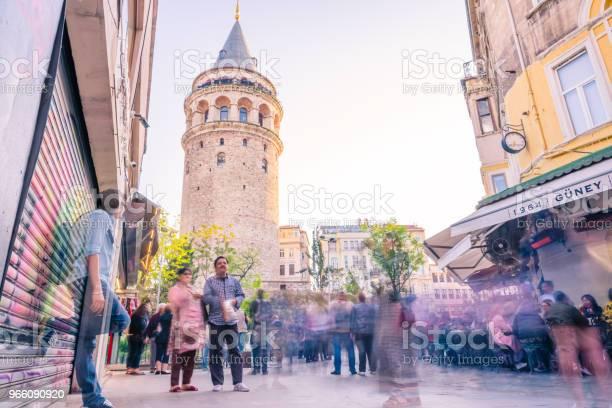 Галата Башня Средневековая Каменная Башня В Стамбуле Турция — стоковые фотографии и другие картинки Архитектура