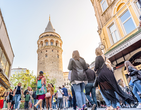 Galataturm Turm Einer Mittelalterlichen Stein In Istanbul Türkei Stockfoto und mehr Bilder von Alt
