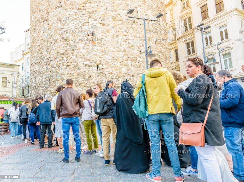 Galata-tornet, en medeltida sten tower i Istanbul, Turkiet - Royaltyfri Berömd plats Bildbanksbilder