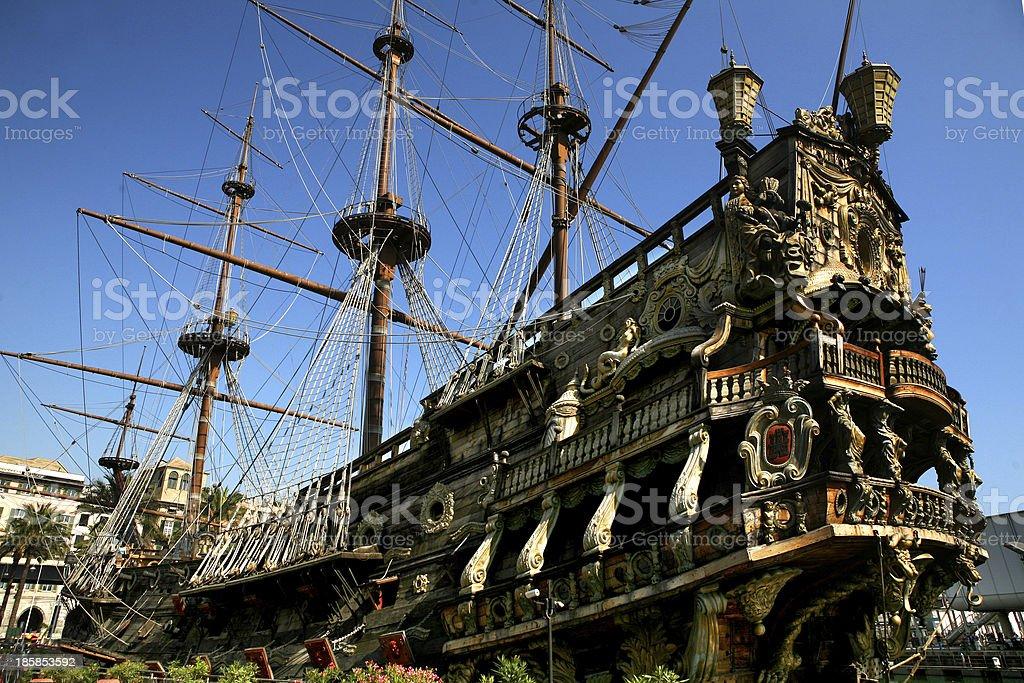 galeone dei pirati stock photo