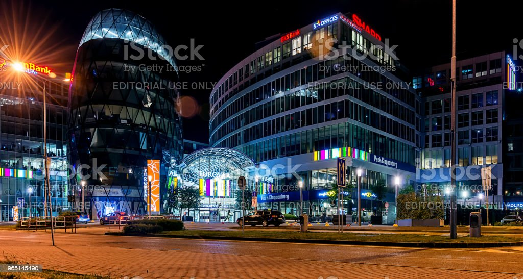 Galleria Eurovea shopping centre at night. zbiór zdjęć royalty-free
