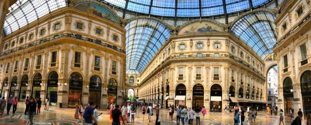 galleria vittorio emanuele ii in mailand, italien - hotel mailand stock-fotos und bilder