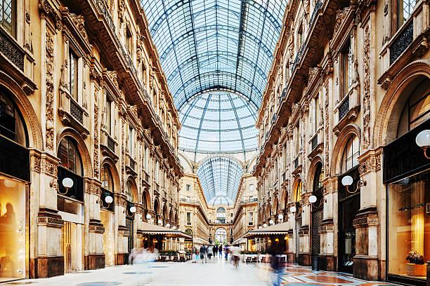 galleria vittorio emanuele ii a milano, italia - milano foto e immagini stock