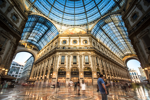 Galleria Vittorio Emanuele II in Milano. It's one of the world's oldest shopping malls, designed and built by Giuseppe Mengoni between 1865 and 1877.