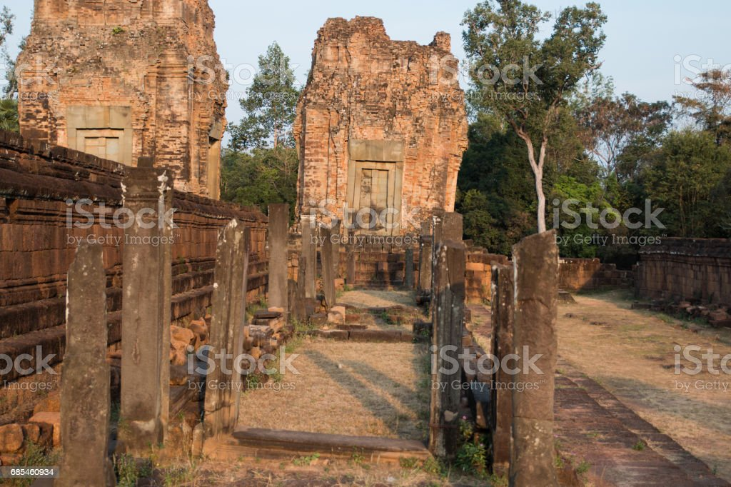 Gallery without a roof at Prei Rup temple foto de stock royalty-free