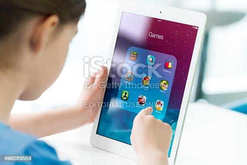istock Game apps on Apple iPad Air 496589559