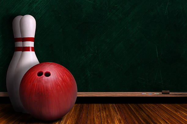 Game Concept With Bowling Equipment and Chalk Board – Foto
