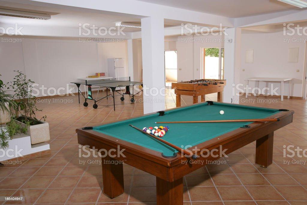 Spielzimmer in einem Ambiente wie zu Hause - Lizenzfrei Billardtisch Stock-Foto