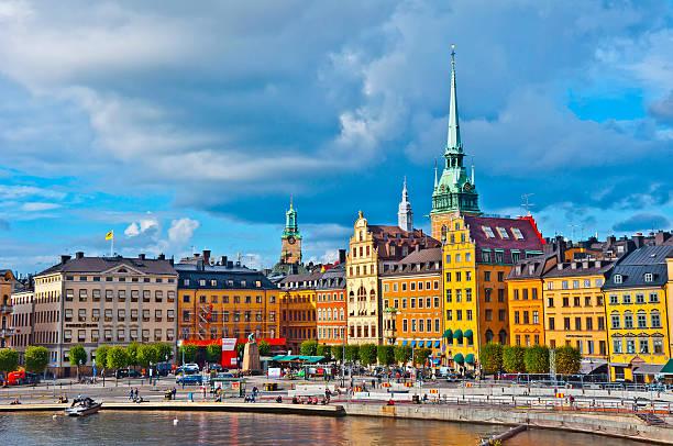 gamla stan widok, sztokholm, szwecja - szwecja zdjęcia i obrazy z banku zdjęć