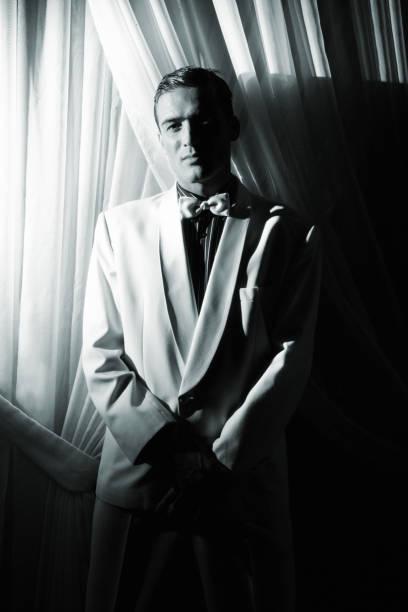 gangster - bräutigam anzug vintage stock-fotos und bilder