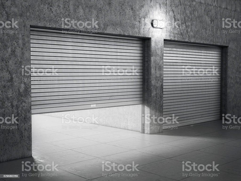 Costruzione di garage in cemento con rullo porte ad anta