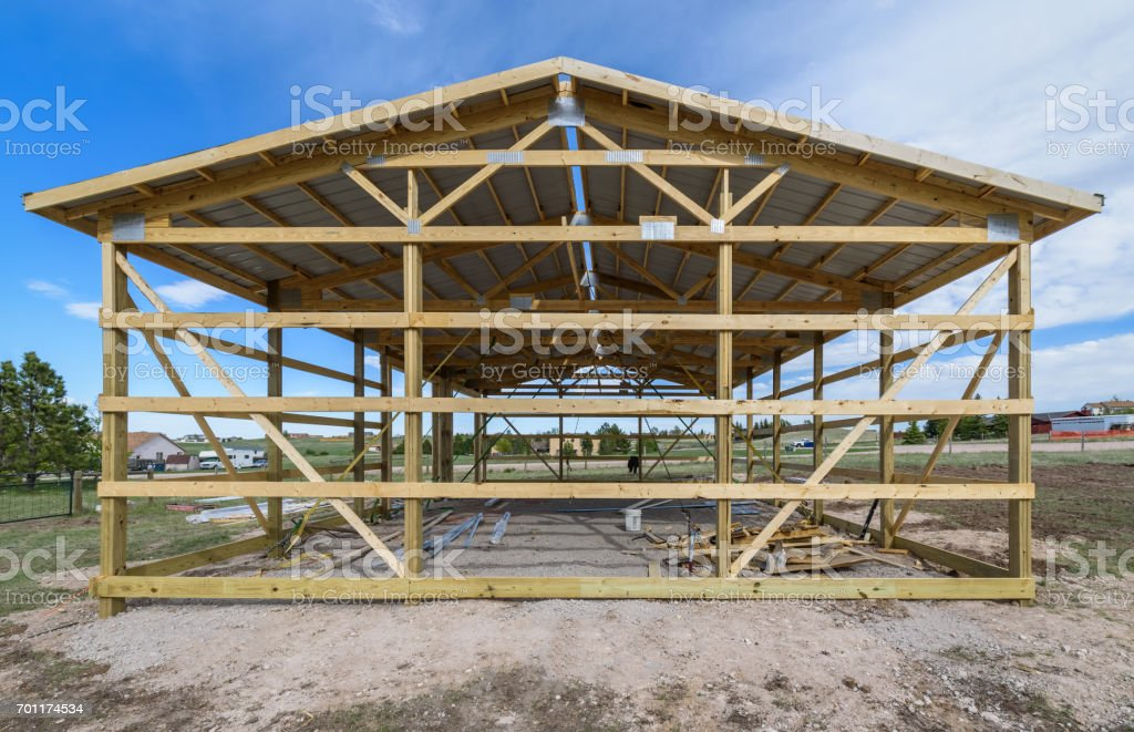 Garage Construction In Suburbia Usa Wood Wooden Roof Truss