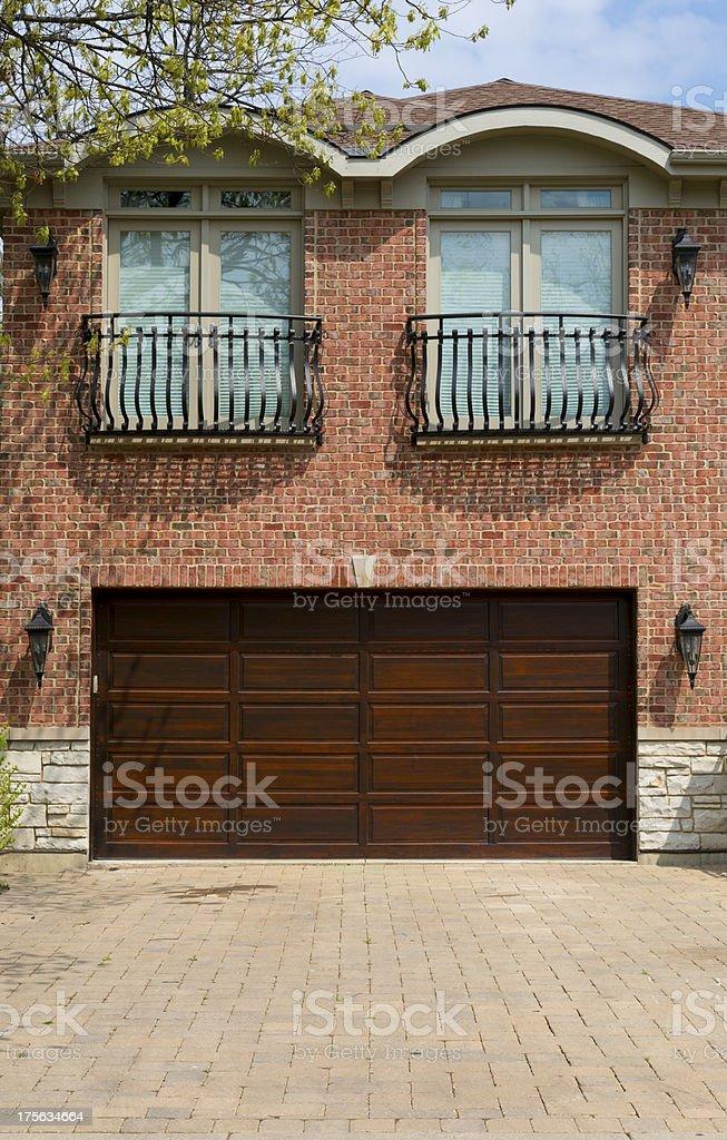 Garagentorbilder  Auto Garagentor - Bilder und Stockfotos - iStock