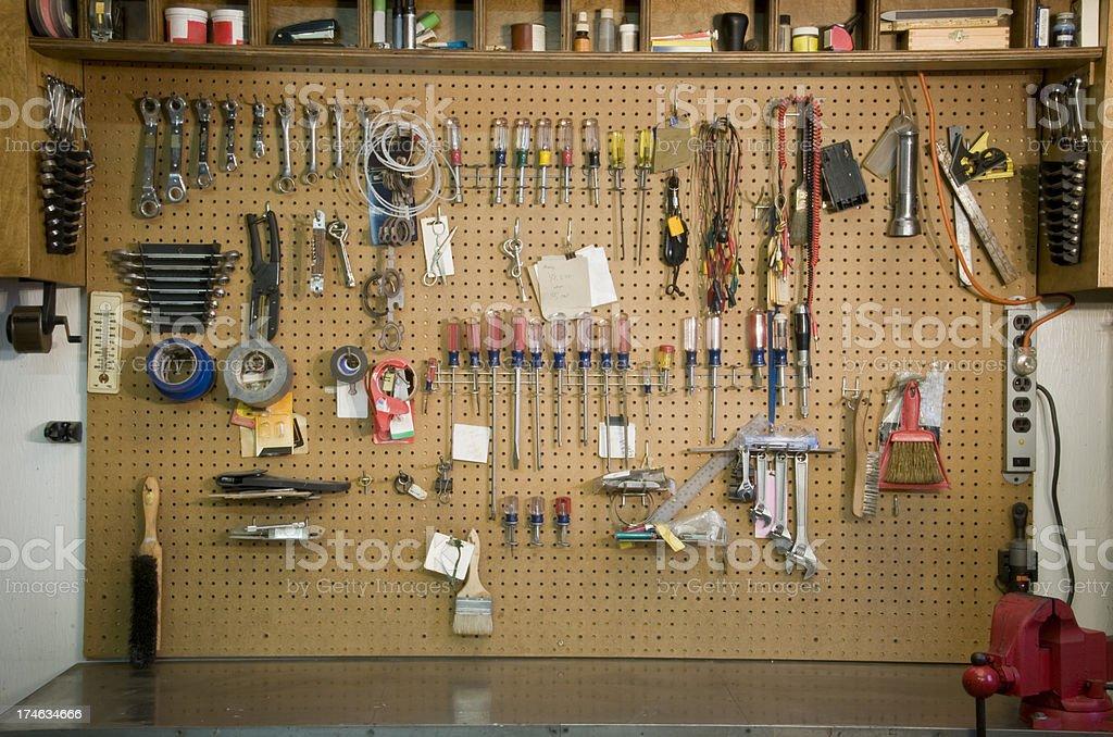 Fotografía de Garaje De Banco De Trabajo y más banco de imágenes de ...