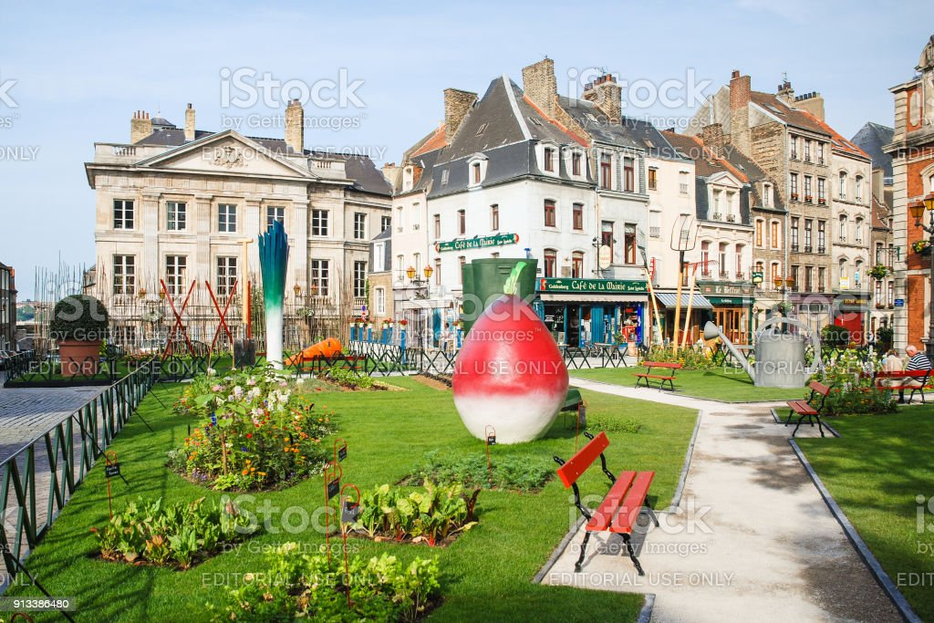 Jardin Ephemere sur Place Godefroy de Bouillon - Photo
